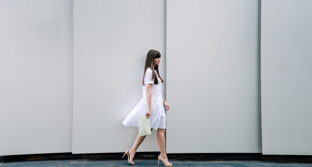 bcbg-kenzie-white-dress-rebecca-minkoff-fashion-blog-thematimes