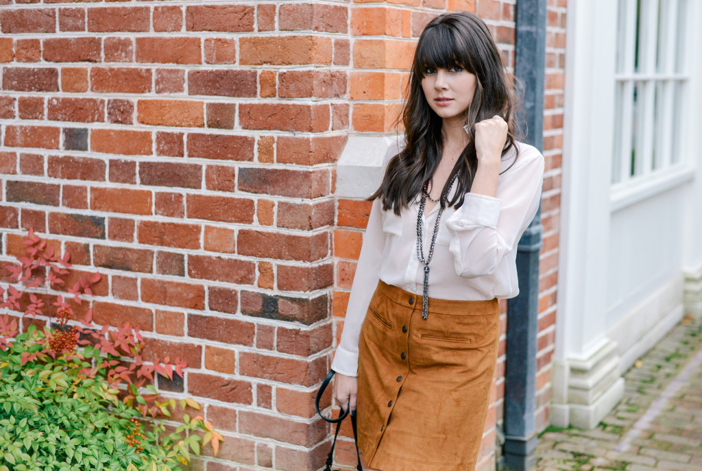 williamsburg_carolee_suede_skirt_fashion_blog-3