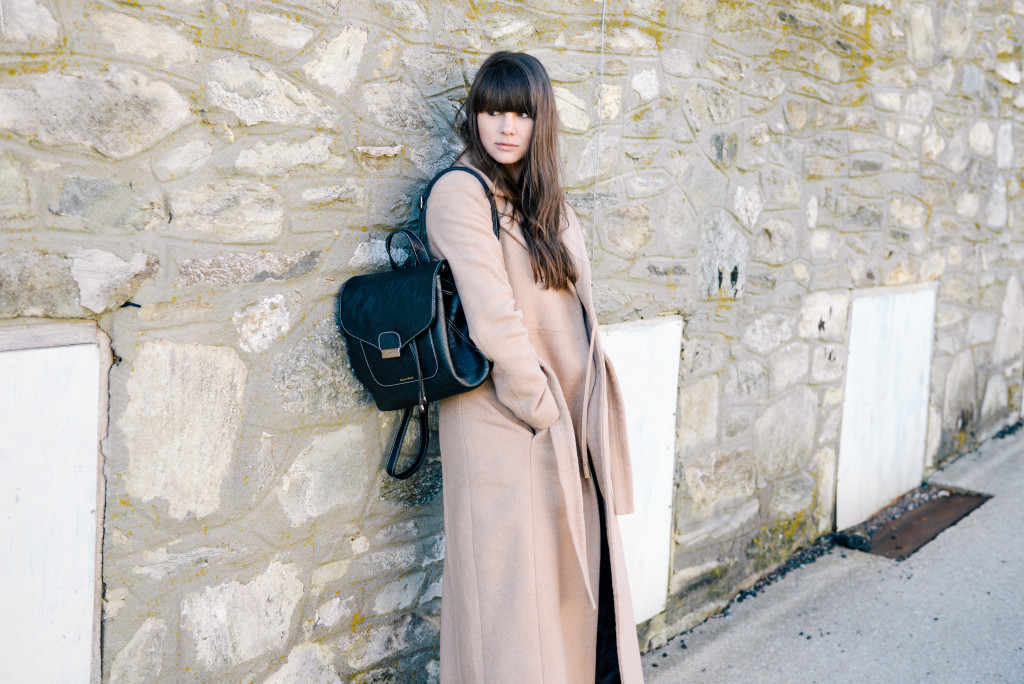 peacoat_backpack_blowing_rock_fashion_blog-12