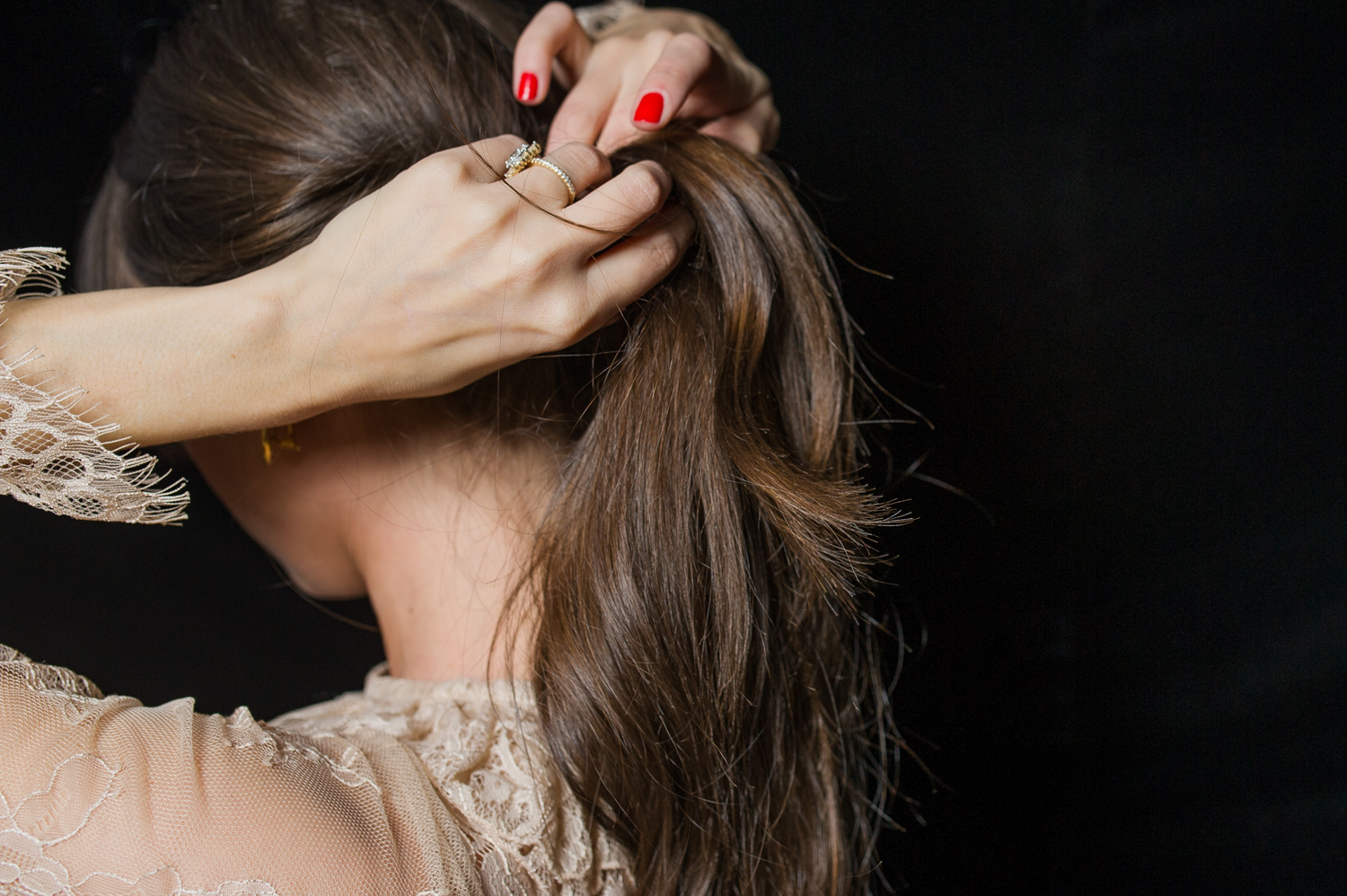 how-to-holiday-hairstyle-easy-romantic-13