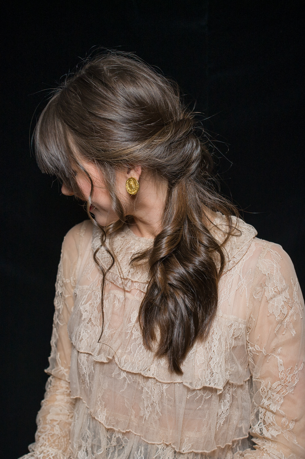 how-to-holiday-hairstyle-easy-romantic-29