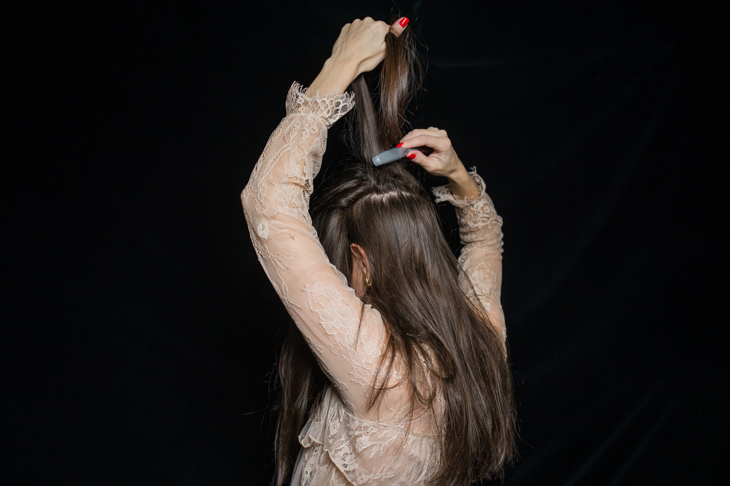 how-to-holiday-hairstyle-easy-romantic-3