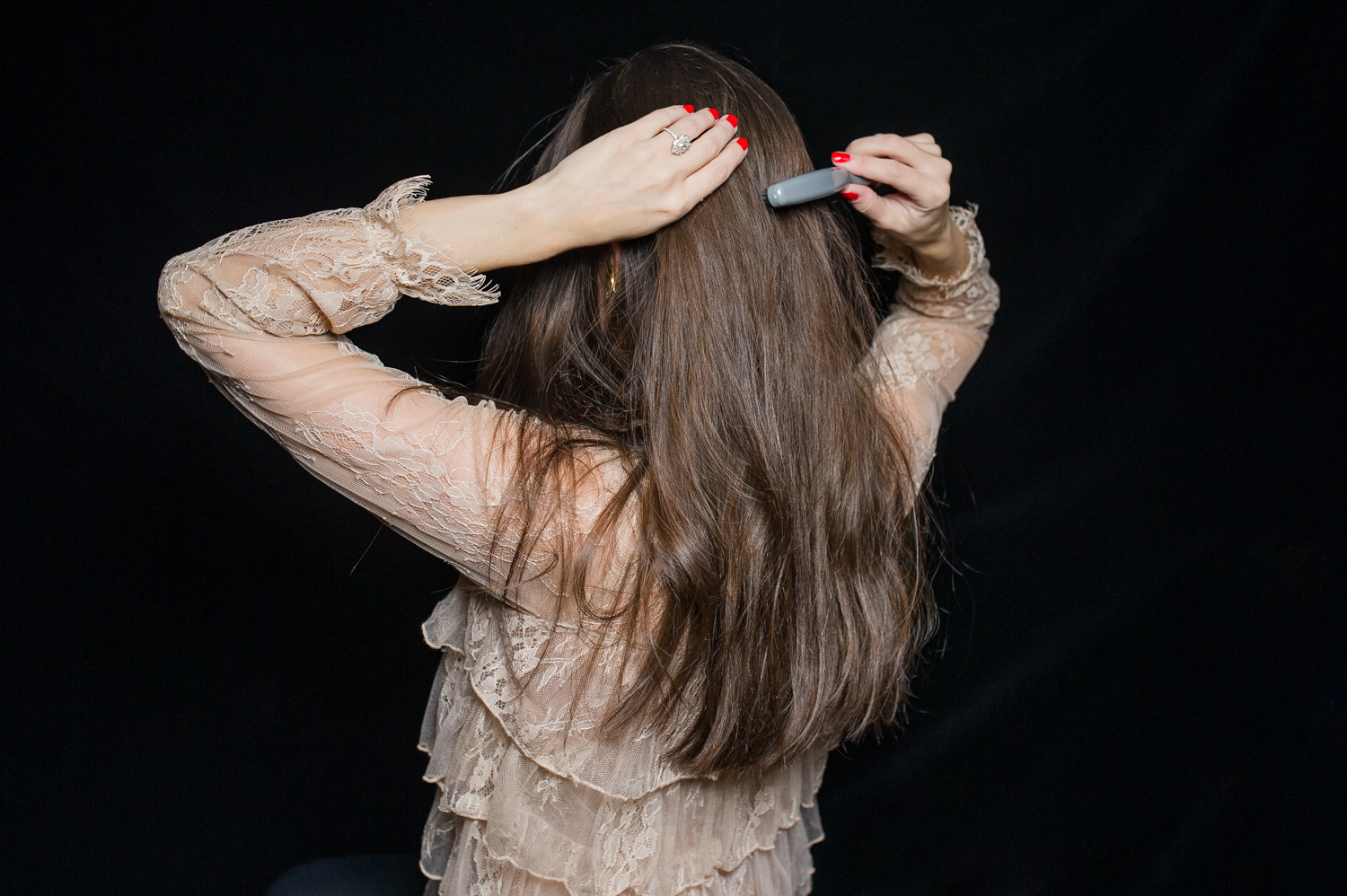 how-to-holiday-hairstyle-easy-romantic-4